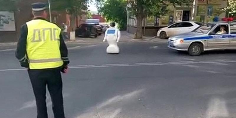 Öğrenme Yeteneği Olan Robot Kaçtı
